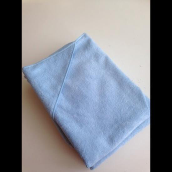 VIXI Gyermek kapucnis fürdőlepedő kék színben (90x90)